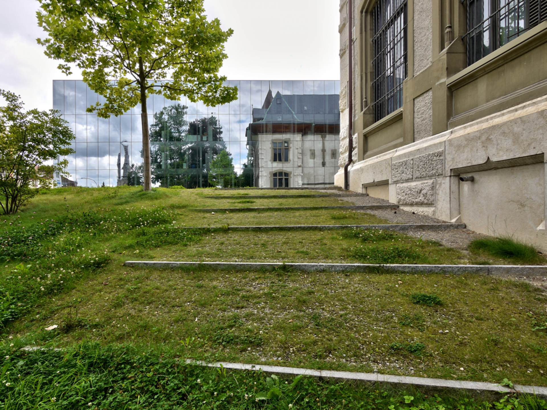 Archiweb.cz titan kubus extension to the historical museum bern