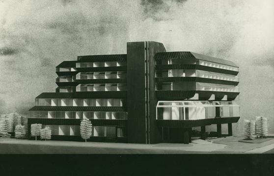 Architekti machoninovi