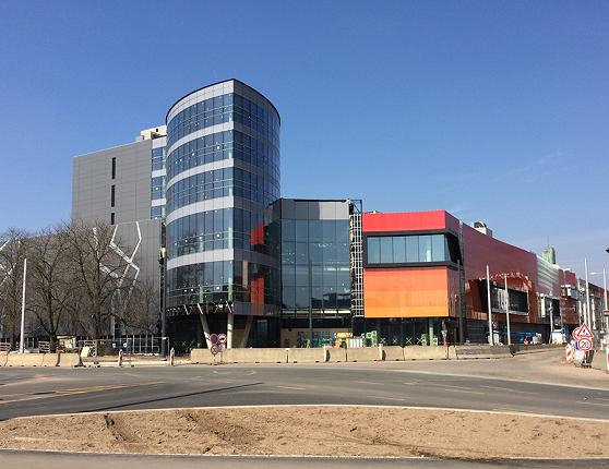 d1771266c1 archiweb.cz - HB Reavis dokončila v Hradci Králové obchodní centrum