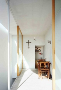 Love House - foto: © Masao Nishikawa / courtesy of Takeshi Hosaka Architects