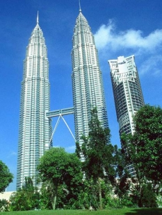 Petronas Twin Towers - foto: © Manfred Leiter, 1997-2005