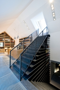 Wine Tavern and Direct Sales - foto: archipicture