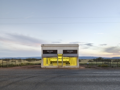 Architectural Photography Award 2017 - WINNER – Open category - foto: Matt Portch (Prada, Marfa, Texas, 2016)