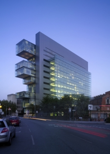 Stirling Prize 2008 - nominované stavby - Manchester Civil Justice Centre, Manchester, Denton Corker Marshall - foto: © Tim Griffith